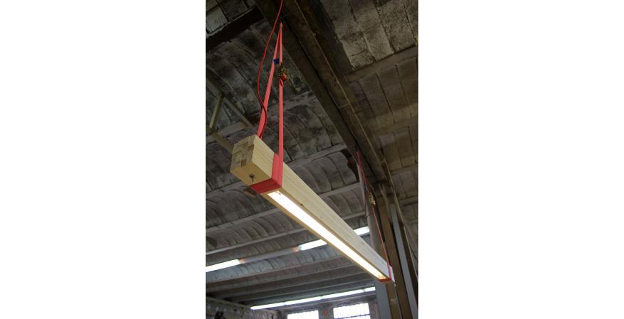 Compeixalaigua Wooden Lamp