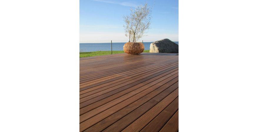 Thermory USA wood deck