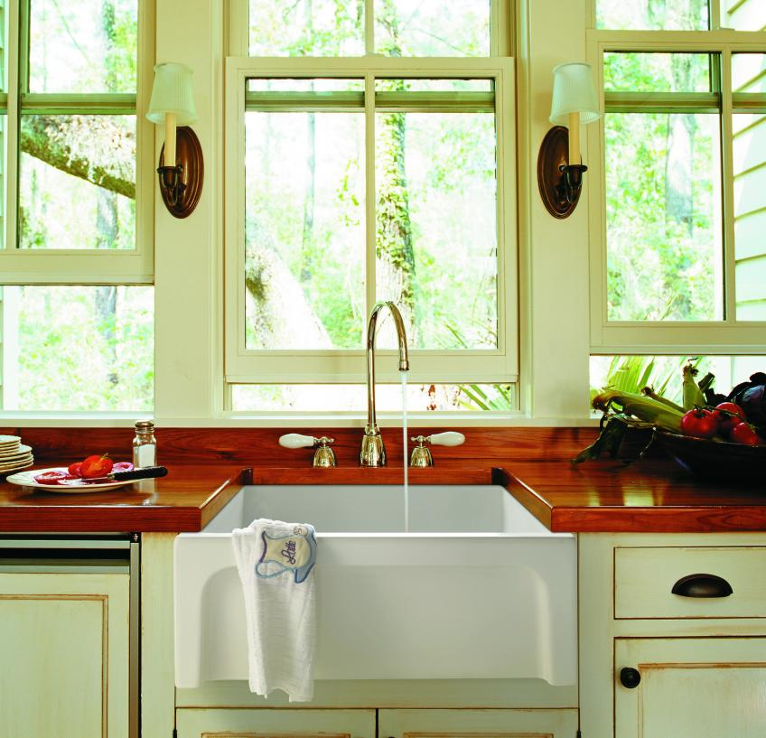 Ceramics Manufacturer Galassia Has Unveiled A Farmhouse Sink That Can Be  Used In A Traditional Kitchen