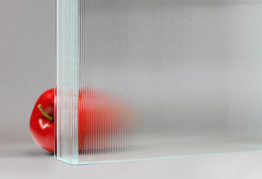 New Textured Channel Glass making apple Seemingly Disappear