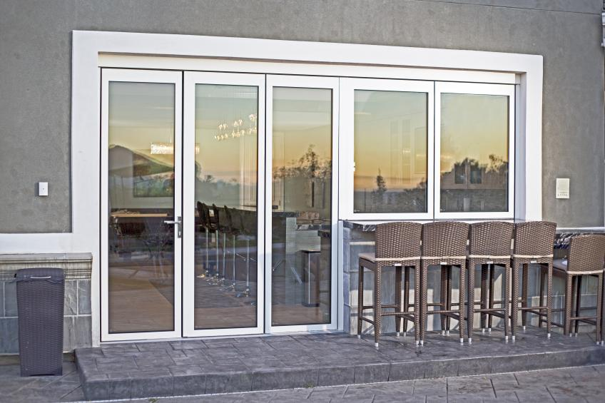 Nanawall releases kitchen transition 2 0 single track for Transition windows for homes