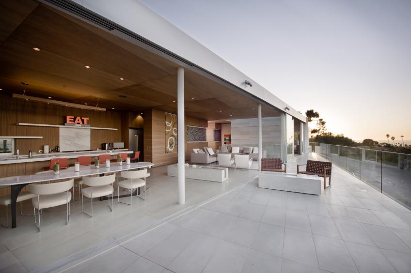 San Diego Architects Create Indooroutdoor Living With Concrete