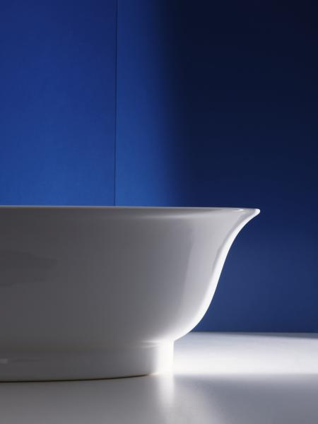 LAUFEN THE NEW CLASSIC Tub by designer Marcel Wanders