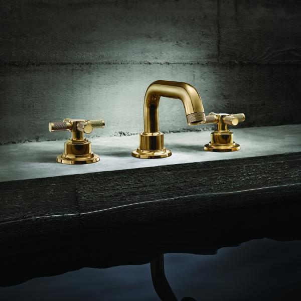 California Faucets descanso with cross handles
