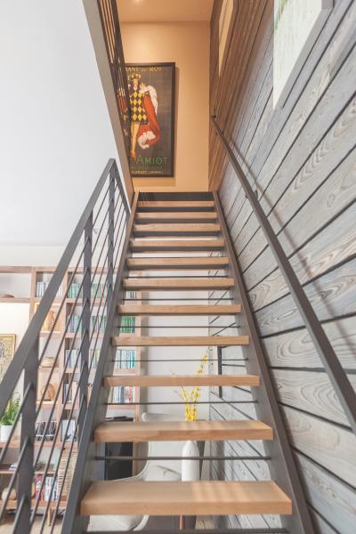 Shackamaxon project resawn timber wall